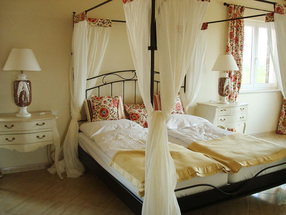 Dormitorios confecci n de colchas cabezales a medida for Proveedores decoracion hogar